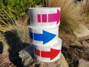 ruban-plastique-avec-flèche-directionnelle-3-coloris 2